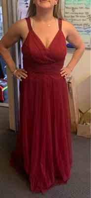 Annabel T. verified customer review of Plus Size Floor Length V Neck Evening Gown