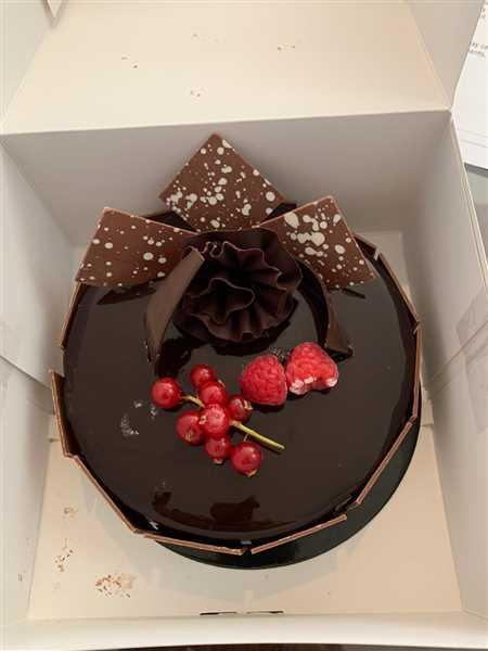 Jeongjae Lee verified customer review of Luxury Cake Add On