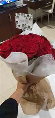 Yehia m. verified customer review of Luxury Red Roses
