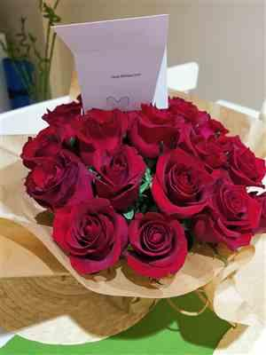 rabee dababneh verified customer review of Luxury Red Roses