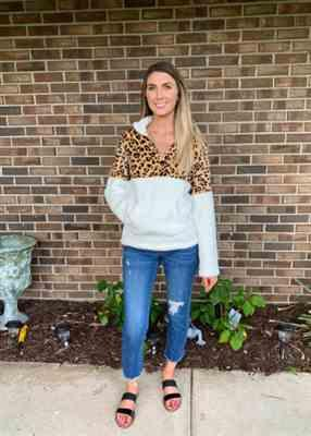 Crystal Delaney verified customer review of Leopard Print Zip Up Plush Pullover