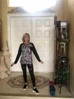 Mylène Schrager verified customer review of Leopard Print Raglan Sleeve Tops