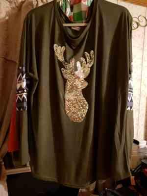 Debbie Dneaster verified customer review of Long Sleeve Reindeer Sequin Christmas T-shirt