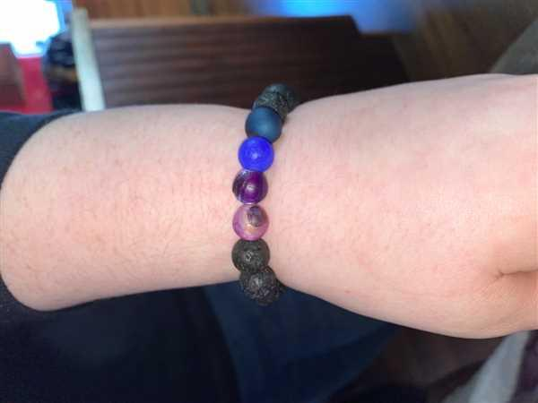 Angie Cassidy-Ballew verified customer review of Berry Agate Diffuser Bracelet