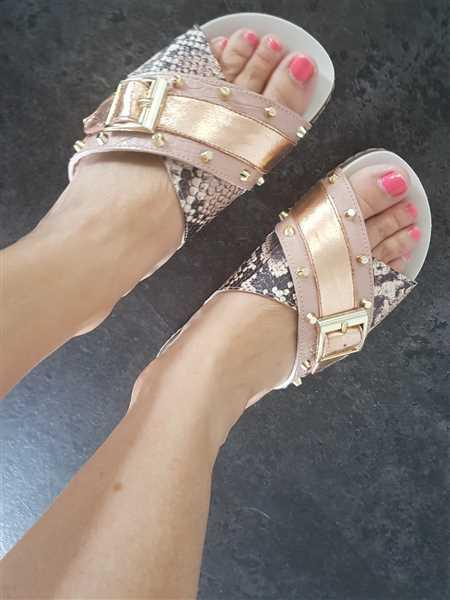 Amanda Cotterell verified customer review of Stella Sandal Gold/Snake