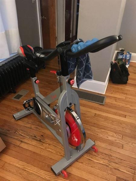 Sunny Health and Fitness Fitness Pro II Indoor Cycling Bike with Device Mount and Advanced Display Review