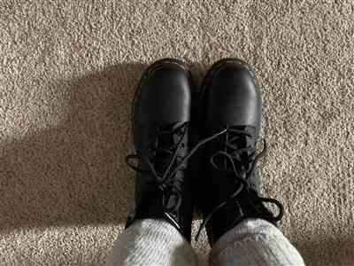 Thomas Lane verified customer review of Dr Martens 1460 Black Greasy