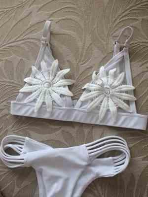 D***d verified customer review of Rio Flowers Bikini Set