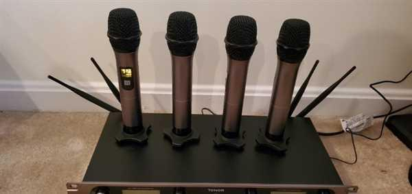 Tonor Microphone TONOR TW-820 PLUS 4-Channel Wireless Microphone Review