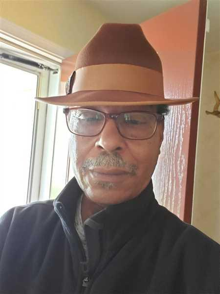 Alisare Fitzgerald verified customer review of Steven Land Hats | Giulano Collection | 100% Wool | Brandy Brown