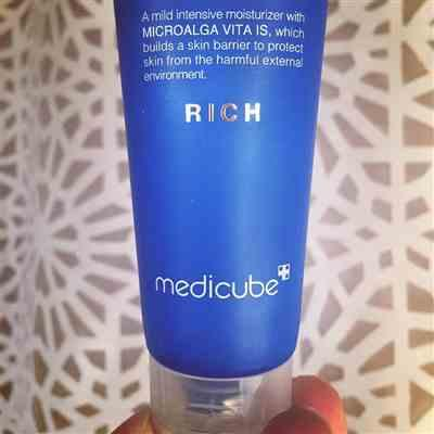 Emily verified customer review of Blue Erasing Cream Rich
