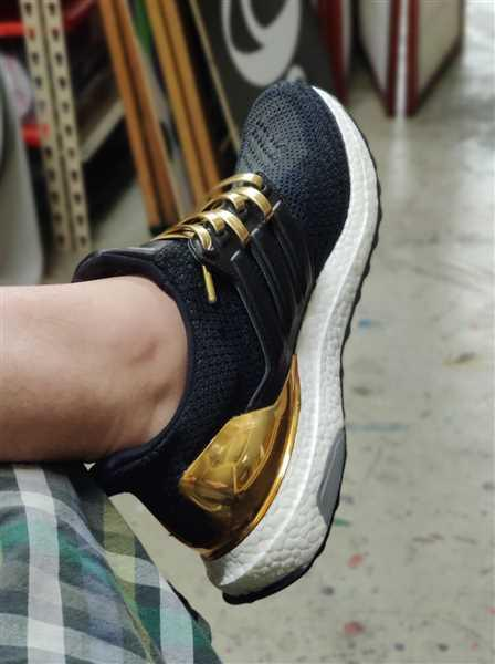 Shane Rodda verified customer review of Gold Luxury Leather Laces - Gold Plated