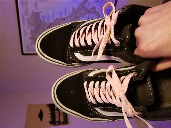 Mike verified customer review of Pink Shoe Laces
