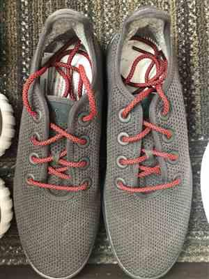 Elbert N verified customer review of Black/Red Rope Laces