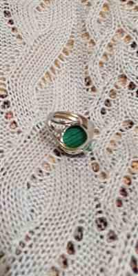 Véronique verified customer review of Bague en Malachite