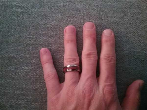 Cliff Bratton verified customer review of Tungsten Carbide Ring with Koa Wood Inlay, 8mm, Dome Shape, Comfort Fitment