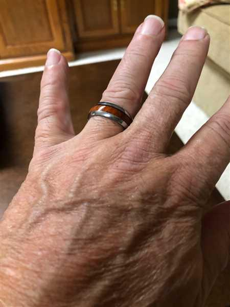 Thomas Paradiso verified customer review of Tungsten Carbide Ring with Koa Wood Inlay, 8mm, Dome Shape, Comfort Fitment