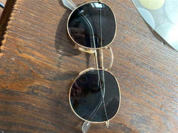 Rosanna C. verified customer review of Ray-Ban RB3447 (50mm)