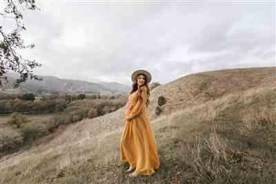 emma kelly verified customer review of Lydia Mustard Maxi Dress