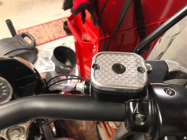 Christopher Collier verified customer review of Fish Scale Master Cylinder Cover - 1996 - 2009 Harley-Davidson #45004-96A