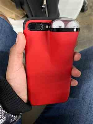 S***n verified customer review of 2 in 1 iPhone and AirPods Case