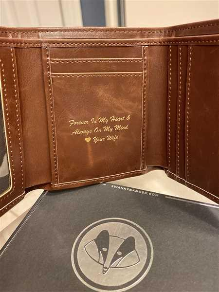 Megan verified customer review of Personalized Trifold Wallet: Circle