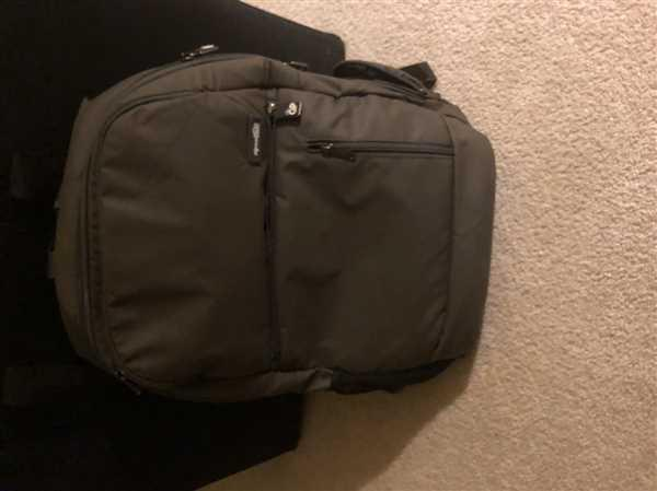 Genius Pack INTELLIGENT TRAVEL BACKPACK Review