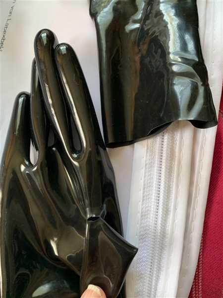 Vex Inc. | Latex Clothing Wristlet Gloves Review