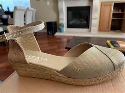 Gema C. verified customer review of Pubol Canvas Espadrille Wedges - Gold