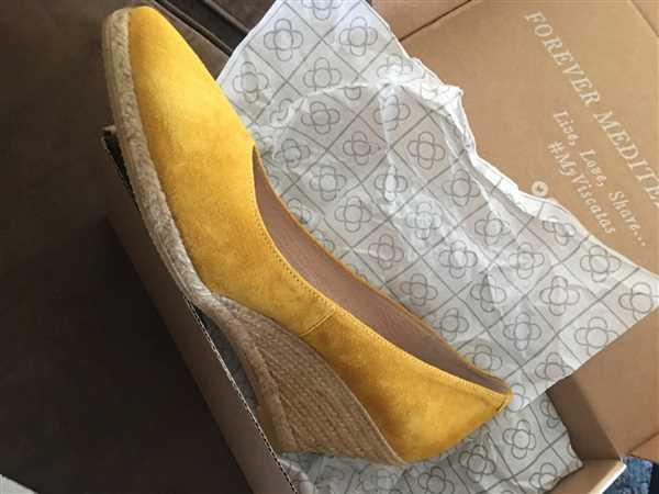 VISCATA Roses Suede Wedges - Mustard Review