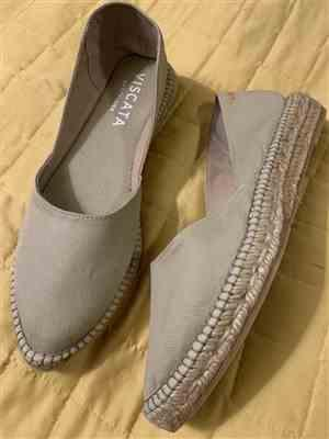Patricia W. verified customer review of Rascassa Canvas Espadrilles - Beige