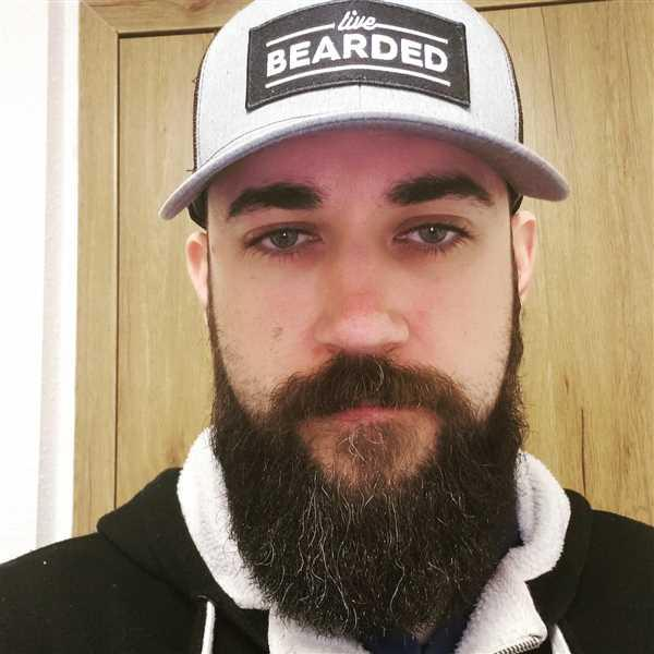 Travis Hogue verified customer review of Heather Grey with Black Patch Trucker Hat
