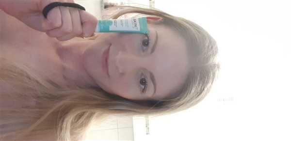 Natalia Demakowski  verified customer review of AUGENKONTUR-GELCREME MIT HYALURONSÄURE 15 ml