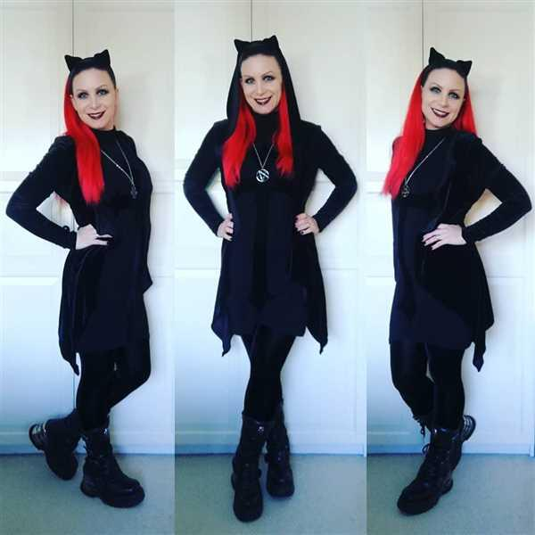 Heavy Metal Momma  verified customer review of Necessary Evil Artemis Black Velvet Gothic Drape Hoody