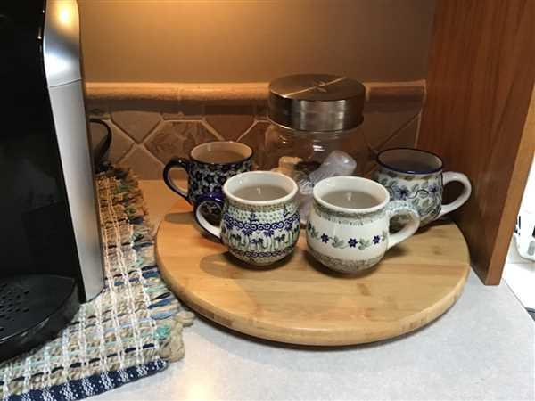 The Polish Pottery Outlet The Medium Belly Mug (Iris) Review