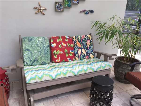 Rebecca StPierre verified customer review of A&L Furniture Co. Traditional English Recycled Plastic Porch Glider