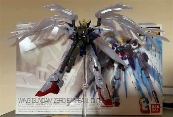 Michael Woodyard verified customer review of Rg 1/144 Wing Gundam Zero Pearl Gloss ver.