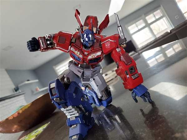 USA Gundam Store #04 Optimus Prime Transformers, Flame Toys Kuro Kara Kuri Review