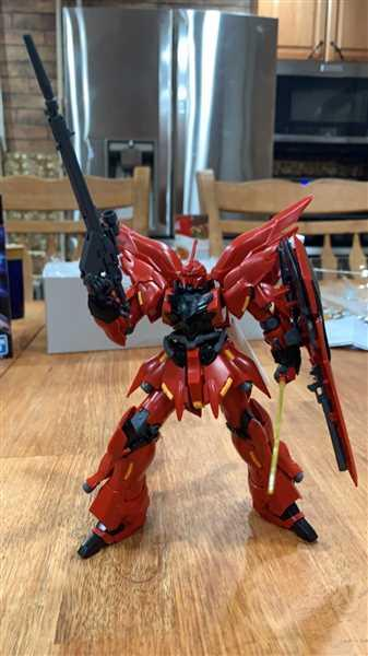 Devlon Haldeman verified customer review of HGUC 1/144 MSN-06S Sinanju Neo Zeon Mobile Suit