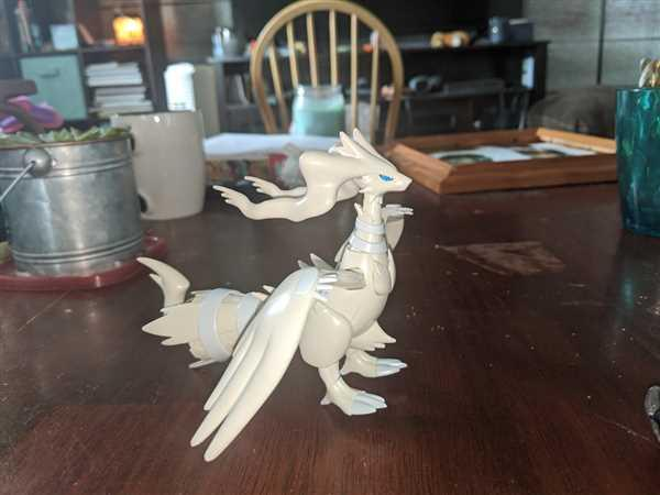 USA Gundam Store Pokemon Plamo #13 Select Series Reshiram Review