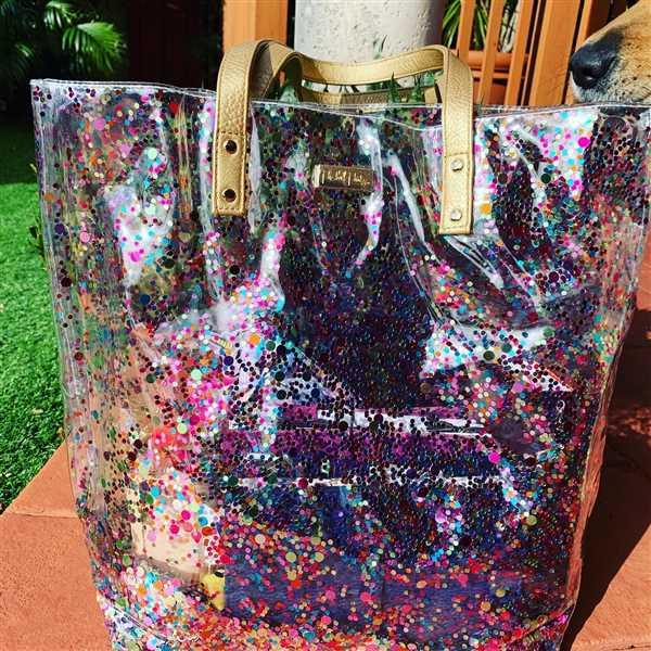 Carmen Perez verified customer review of CONFETTI BUCKET BAG