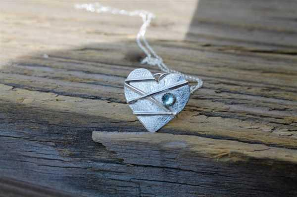 Kitty Stoykovich Designs Mended Broken Heart in Silver with Stone Review