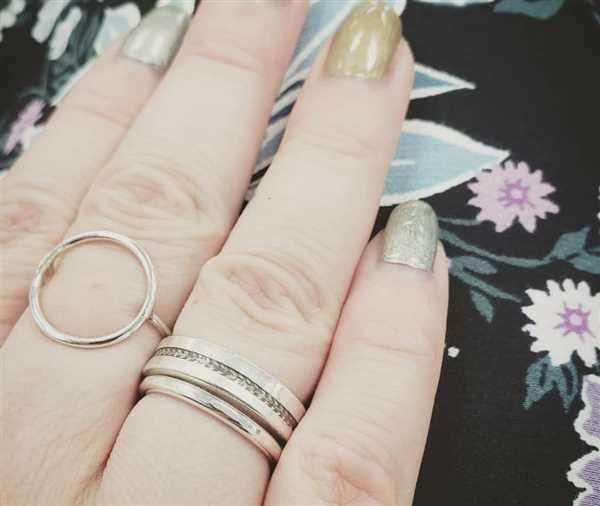 Kitty Stoykovich Designs Tire Track Ring in Silver Review