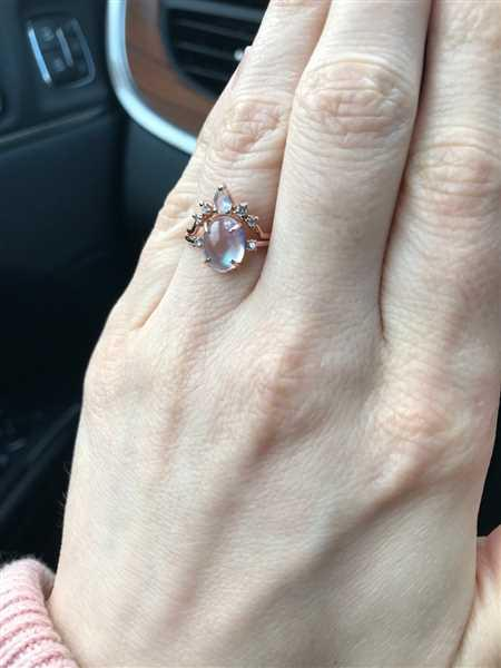 Leah Davenport verified customer review of Moonstone Diamond Wedding Ring Set