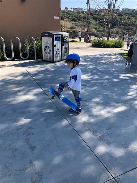 Cristina Gosetti verified customer review of SkateXS Purple Panda Beginner Complete Skateboard for Kids