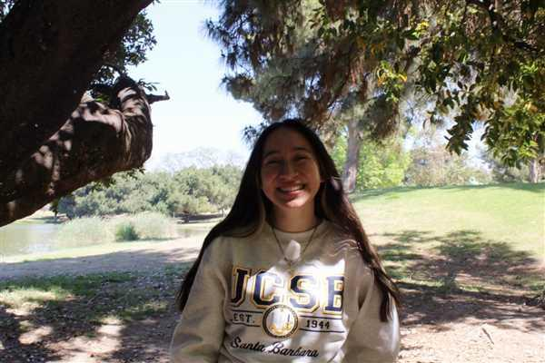 ShopCollegeWear.com University Of California Santa Barbara UCSB Crewneck Sweatshirt-Oatmeal Review