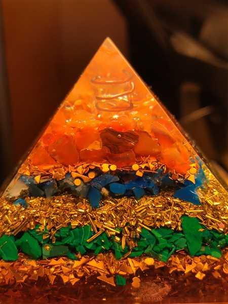 Tee verified customer review of Feng Shui Orgone Pyramid