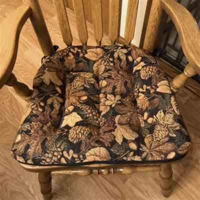 DEAN H. verified customer review of Woodlands Forest Floor Dining Chair Pads with Ties - Oak