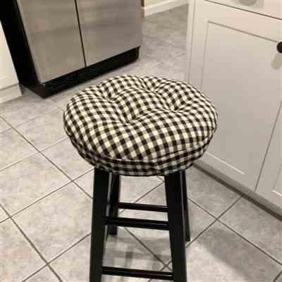 Vanessa V. verified customer review of Checkers Black & White Bar Stool Cover with Cushion and Adjustable Yoke