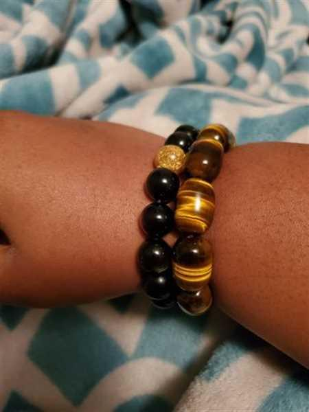 Ciera F. verified customer review of The Tiger's Eye Wealth Bracelet